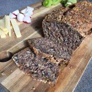 Brot - saftiges Karotten-Vollkorn-Brot