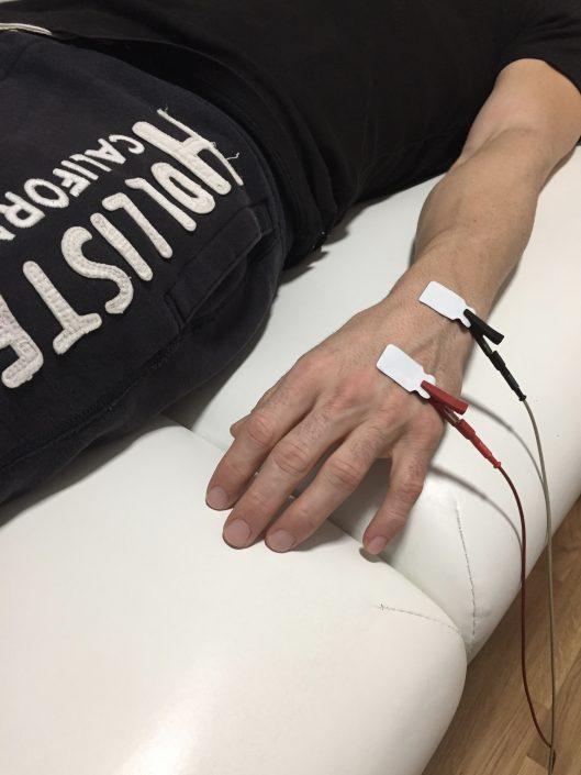 Messung der Körperzusammensetzung mittels BIA-Messgerät