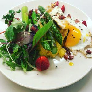 Spargelzeit - einfach und schnell zubereitetes gesundes Essen
